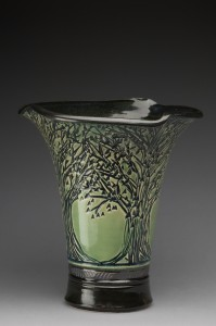 gallery_full_vase_flared_green_bk